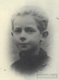 Max Gerszt 1942 Taken in Paris, Île-de-France in 1942. Death : August 28, 1942 Cause : Murdered in Auschwitz ( buried in Auschwitz death camp ) Age : 9 years