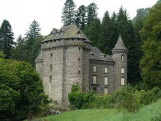 Château de Palmont , sur la commune de Fontanges, Cantal, Auvergne,France.