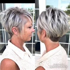 Today we have the most stylish 86 Cute Short Pixie Haircuts. We claim that you have never seen such elegant and eye-catching short hairstyles before. Pixie haircut, of course, offers a lot of options for the hair of the ladies'… Continue Reading → Haircut For Older Women, Short Hair Cuts For Women, Short Hairstyles For Women, Pixie Bob Hairstyles, Short Razor Haircuts, Over 40 Hairstyles, Pixie Haircut Styles, Pixie Bob Haircut, 1940s Hairstyles