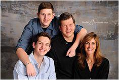 Best family portrait studio in Issaquah for holiday pictures__Brooke Clark_Studio B Studio Family Portraits, Family Portrait Poses, Family Picture Poses, Family Posing, Family Pictures, Holiday Pictures, Family Family, Modern Family, Studio Photography Poses