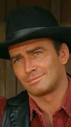 James Drury The Virginian. Classic Tv, Classic Films, Doug Mcclure, James Drury, Hot Cowboys, The Virginian, Tv Westerns, Hazel Eyes, Classic Hollywood