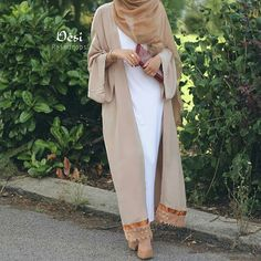 Hijab Fashion 2020 Selection of over 100 looks in trendy and chic Abaya Islamic Fashion, Muslim Fashion, Modest Fashion, Fashion Outfits, Modest Wear, Modest Dresses, Modest Outfits, Hijab Dress, Hijab Outfit