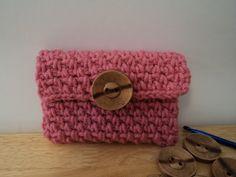 Cute Little Crafts: Free Crochet Pattern: Pretty Camera Case