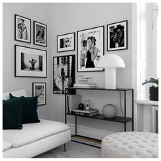 Wohnen Inspiration for beautiful living room picture wall with posters Desenio Z Mesh, An Innovative Picture Wall Living Room, Living Room Pictures, White Decor, Living Room Decor Black And White, White Bedroom Decor, Living Room Inspiration, Bedroom Wall, Interior Design, Home Interior