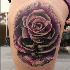 Amazing Rose Tattoo Designs - Tats 'n' Rings Pretty Skull Tattoos, Skull Rose Tattoos, Leg Tattoos, Beautiful Tattoos, Body Art Tattoos, Sleeve Tattoos, Tattoo Thigh, Tatoos, Badass Tattoos