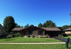 5833 Sandringham Ln, Rockford, IL 61107 - Home For Sale and Real Estate Listing - realtor.com®