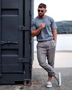 Modamasculina dresses party in 2019 мужской стиль кэжу Summer Outfits Men, Stylish Mens Outfits, Casual Outfits, Men Casual, Men Summer, Casual Styles, Men Sunglasses Fashion, Mens Sunglasses, Glam Look