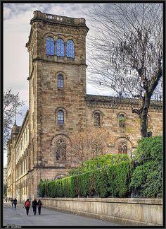 Universitat Central  de Barcelona ,  Catalonia