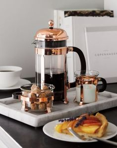 The signature dome-topped Bodum French press coffee maker takes on a beautiful copper-plated finish in this classic plunger-style brewing method revered for producing fresh coffee with rich, full-bodied character. Fresh Coffee, Coffee Set, Coffee Love, French Coffee Shop, French Press Coffee Maker, Photo Café, Coffee Shop Aesthetic, Turkey Burger Recipes, Coffee Photos