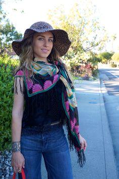 #floppyhat #hm #scarf #croptop #widelegjeans #ootd