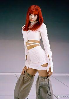 Jennie Lisa, Blackpink Lisa, K Pop, South Korean Girls, Korean Girl Groups, Blackpink Debut, Lisa Blackpink Wallpaper, Blackpink Photos, Blackpink Fashion
