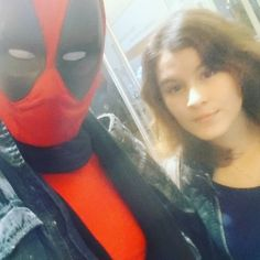 Badass view she didn't look happy xD i don't care she smallest girlof our Friends haha i am hot too just look at me  #deadpoolcosplay #deadpool #cineplex #cinema #movie #thorragnarok #11.11 #Frankfurt #Hauptwache #germancosplayer #cosplaying #cosplayer #cosplay #Germany #marvel #banana #red #sexyassbitch #sexyguy #sexygirl #hot #top #instagramers #Cosmanianer