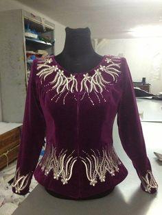 Karakou Embroidery On Clothes, Embroidered Clothes, Embroidery Dress, Traditional Gowns, Traditional Fashion, Blazer Fashion, Fashion Outfits, Womens Fashion, Indian Jackets
