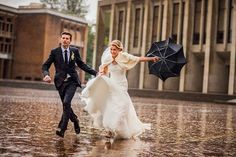 The perfect picture of a rainy wedding