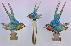 BRITISH ARTS & CRAFTS- Swallow Hair Comb. Gilded silver Plique-à-jour enamel. H: 18 cm (7.09 in); W: 6.5 cm (2.56 in). British, c.1900 (Ref: 1933)