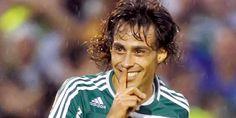 El volante nacional jugó 78′ y marcó el segundo gol mediante golpe de cabeza, en la victoria 3-0 de Palmeiras sobre Sao Bernardo por la fecha 4 del campeonato Paulista, en su regreso a la titularidad. En tanto, Marcos González estuvo en la goleada de Flamengo.