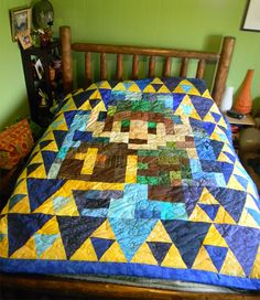 In all honesty it's been a while since I dusted off my original NES copy of The Legend of Zelda but it's still one of the all time classic video games I Quilting Projects, Quilting Designs, Nintendo Decor, Zelda Gifts, Sewing Circles, Legend Of Zelda Breath, Boy Quilts, Awesome Bedrooms, New Room