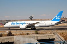 Air Europa Fleet Boeing 787-8 Dreamliner Details and Pictures. Air Europa Fleet Boeing 787-8 Dreamliner configuration, seat map, seating chart, cabin interior, seat pitch, extra legroom, business economy class, onboard services..