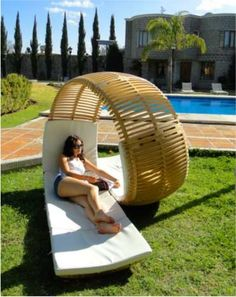 Funny pictures about Awesome patio lounger. Oh, and cool pics about Awesome patio lounger. Also, Awesome patio lounger photos. Modern Outdoor Furniture, Cool Furniture, Pallet Furniture, Lawn Furniture, Furniture Design, Backyard Furniture, Rattan Furniture, Outside Furniture, Futuristic Furniture