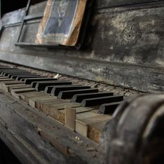 Old dilapidated piano
