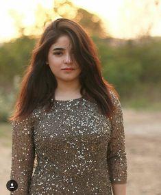zaira wasim (the dangal girl) Bollywood Images, Bollywood Celebrities, Bollywood Actress, Actress Anushka, Zaira Wasim, Photoshoot Pics, Sr K, Pakistani Girl, Teen Actresses