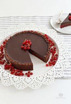 Шоколадный тарт с красной смородиной / Живой лёд глобальных вопросов