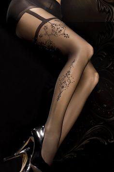 Mettez vos jambes à l'honneur avec les collants noirs déco 293. Sa sublime…