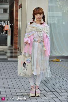 Aran made pretty - Japanese street fashion in Shibuya, Tokyo