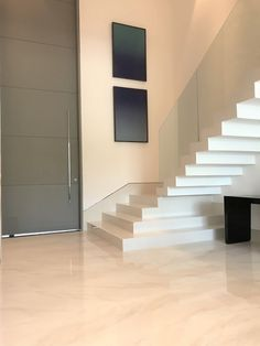 Home Stairs Design, Duplex House Design, Home Room Design, Modern House Design, Home Interior Design, Layouts Casa, House Layouts, Stairs In Living Room, House Stairs