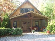 Mill Creek Cottage: walk to town, great porch, firepit, $360 a+ decor  ~ NOT AVAIL JULY 2013
