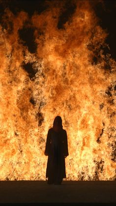 You'll be able to see two large-scale installations by Bill Viola at La Nave Salinas, Ibiza this summer. The exhibition space, inaugurated in specialises in international contemporary art and is adjacent to the Ses Salines Natural Park. Fogo Gif, Bill Viola, Tristan Und Isolde, Hawke Dragon Age, Yorkshire Sculpture Park, Fire Photography, Into The Fire, Character Aesthetic, Avatar The Last Airbender