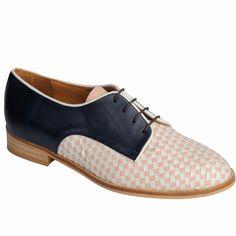 Ana Matt. Hand made shoes. Made in BCN.