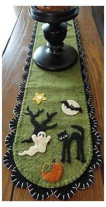 Halloween Quilts, Moldes Halloween, Manualidades Halloween, Adornos Halloween, Halloween Projects, Halloween Embroidery, Holidays Halloween, Halloween Diy, Halloween Decorations