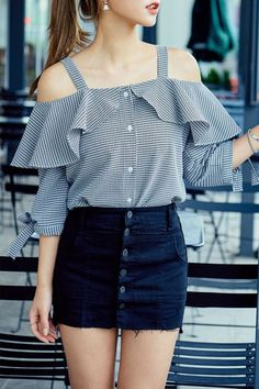 Spring Outfit Ideas for Every Day of the Month - - 48 Street Style Looks Your Wardrobe Needs This Spring Asian Fashion, 90s Fashion, Trendy Fashion, Fashion Dresses, Fashion Clothes, Diy Clothes, Street Fashion, Vintage Fashion, Casual Outfits