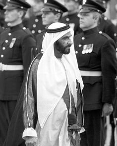 Islamic Pictures, Old Pictures, World Handsome Man, Sheikh Mohammed, Greatest Presidents, Dubai Uae, Makeup Routine, United Arab Emirates, Abu Dhabi