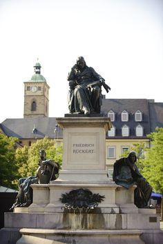 Friedrich Rückert Denkmal auf dem Marktplatz in Schweinfurt - http://www.schweinfurt360.de/  #FriedrichRückert #Rückert #Denkmal