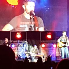 Josh Turner @joshturnermusic singing on Stage during the Flowood Family Festival tonight at Flowood Liberty Park for the Free Concert with my Dad tonight as well as Jeff Bates @jeffbatesmusic was there too.  Josh Turner is my favorite Country Singer as I really do love when Josh Turner sings as well as I love His Book Man Stuff: Thoughts on Faith Family and Fatherhood as I might go back and read it and post some encouraging posts from it for All of You.  Josh Turner encourages me and…