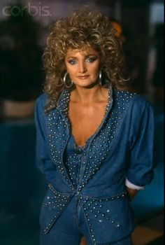 Bonnie Tyler Bonnie Tyler, Beautiful Voice, Rock And Roll, Hair Cuts, Singer, Actresses, June 8, Clothes, Legends