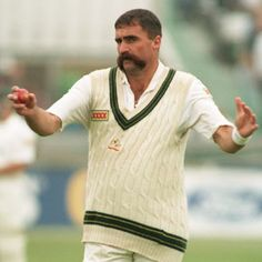 Merv Hughes - big fast bowler - cult hero in Australia late 1980's early '90s