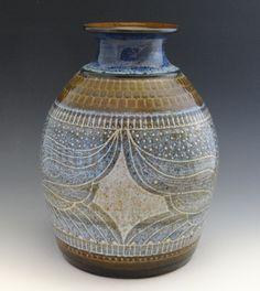 Vintage Designed Vase 1981. Charles Smith (artist) www.smith-pots.com