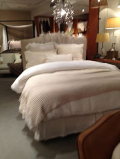 Pottery Barn - New York - Homewares - Living - Lifestyle - Dine - Landscape - Tables - Visual Merchandising - Clear Retail - www.clearretailgroup.eu