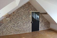 Rénovation murs intérieurs à la chaux Isolation, Garages, Stairs, Home Decor, Interior Walls, Attic Spaces, Traditional Interior, Whitewash, Stairway