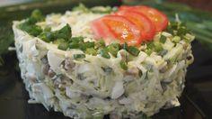 Салат с капустой, яйцом и зеленым горошком. Быстро, Просто и Доступно! рецепт с фотографиями