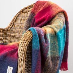 Made in Ireland 100/% Pure Wool Throw by Avoca Design: Harriett