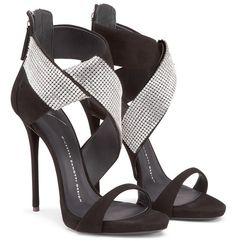 http://www.emmemagazine.it/2016/02/16/giuseppe-zanotti-king-of-the-heels/?lang=en