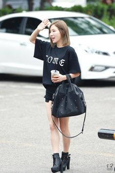 dedicated to female kpop idols. Snsd Airport Fashion, Kpop Fashion, Star Fashion, Womens Fashion, K Pop Star, Airport Style, Girls Generation, Jeans Style, Girl Group