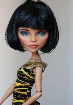 Cleo de Nile a Monster High Repaint #Dolls