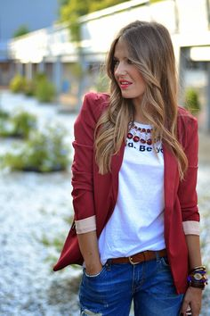 BURGUNDY – Mi Aventura Con La Moda Blazer Fashion, Boyfriend Jeans, Casual Chic, Autumn Fashion, Summer Outfits, Womens Fashion, Fashion Trends, Burgundy, My Style