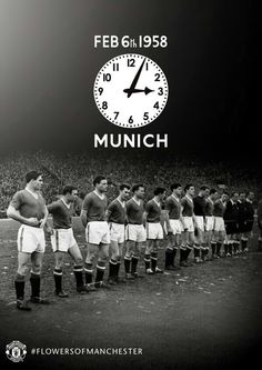 MUFC pauses to remember those lost in the Munich air disaster on 6 February Flowers of Manchester, RIP. Manchester United Legends, Manchester United Players, We Will Never Forget, Munich Air Disaster, Eric Cantona, Best Football Team, Football Art, School Football, Sport Football