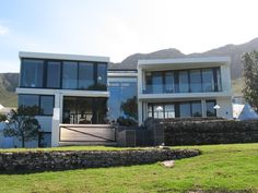 GLASSMEN HERMANUS | KLAUCKE Architect: Andrew Greeff Architects Builder: Deon Romjin